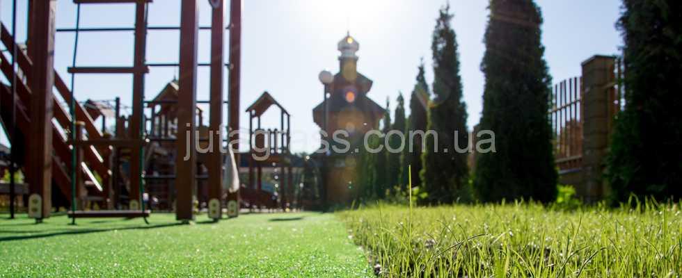ТОП-3 идей для детских площадок с искусственным декоративным газоном