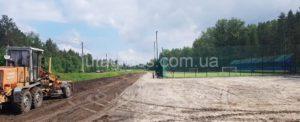 Возобновлены работы по благоустройству площадки вокруг футбольного поля в Решетиловке