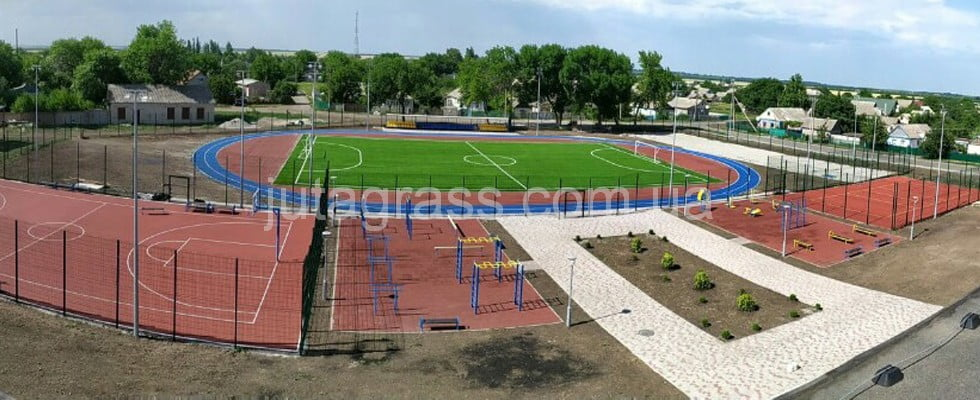 Облаштування шкільного футбольного поля зі штучною травою, смт. Межова